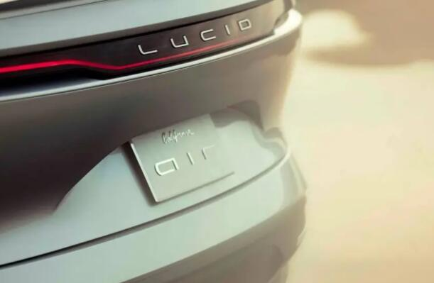 Lucid不是特斯拉杀手 Air可以与特斯拉Model S Plaid竞争